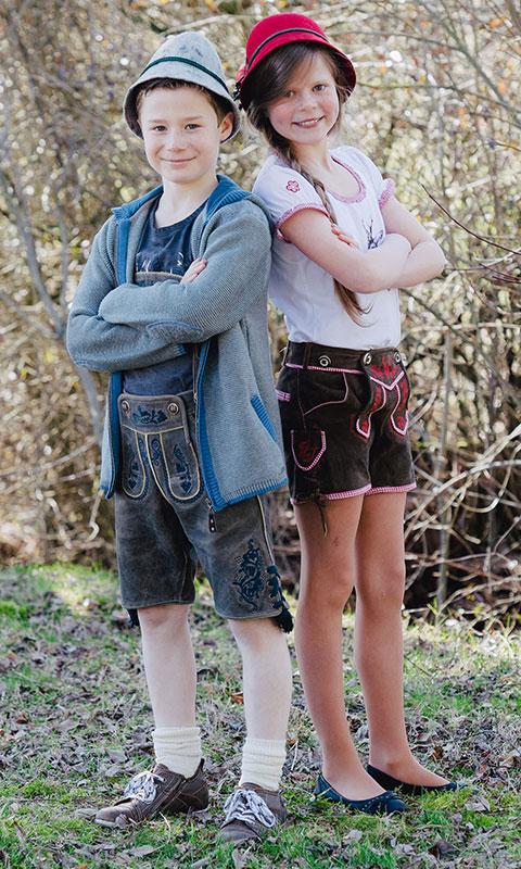 Lederhosen für Jungs und Mädchen