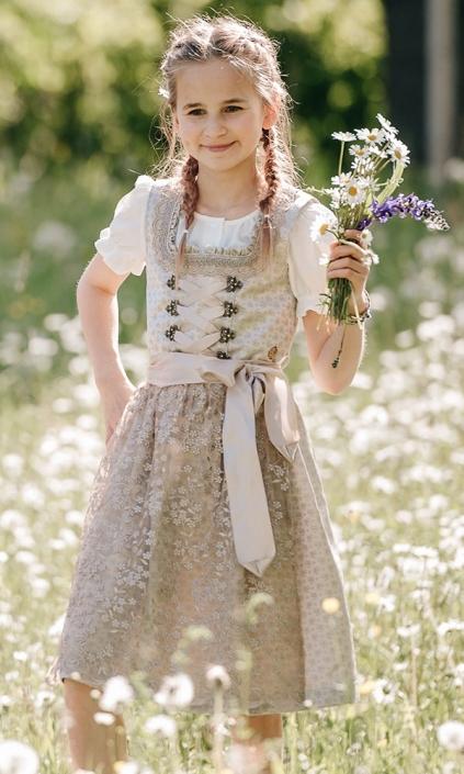 Kommunion, Blumenmädchen
